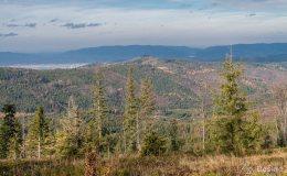Niebieski szlak z Romanki na Słowiankę - widok na Kotlinę Żywiecką i Beskid Mały