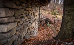 Kamienne szałasy w okolicy Przykrzycy