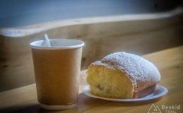 Kawa i jagodzianka w schronisku na Hali Boraczej