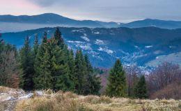 Zjazd niebieskim szlakiem z Kościelca do Czernichowa